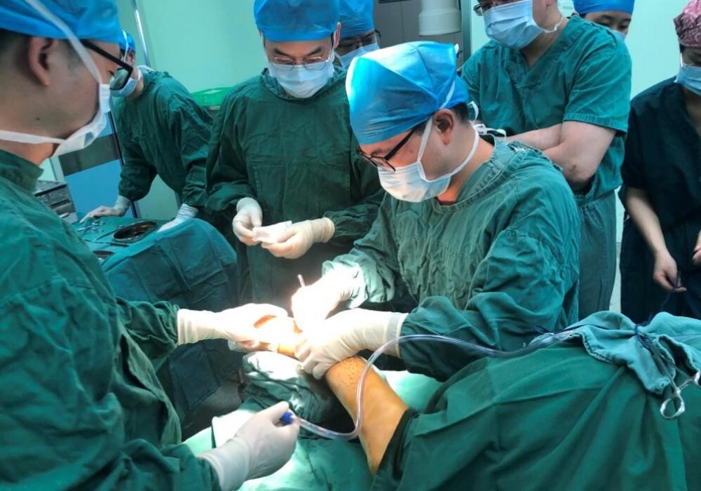 【川骨医声·泸县救援】我院足踝科专家火速驰援泸县救治罕见骨折伤员